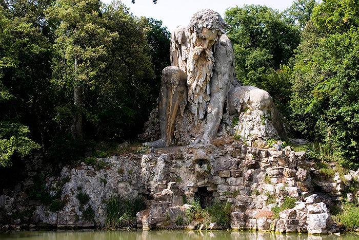 【進撃】イタリアの山中にある巨人像が凄くそそる。隠し部屋とか何それ。【RPG風】3.jpg