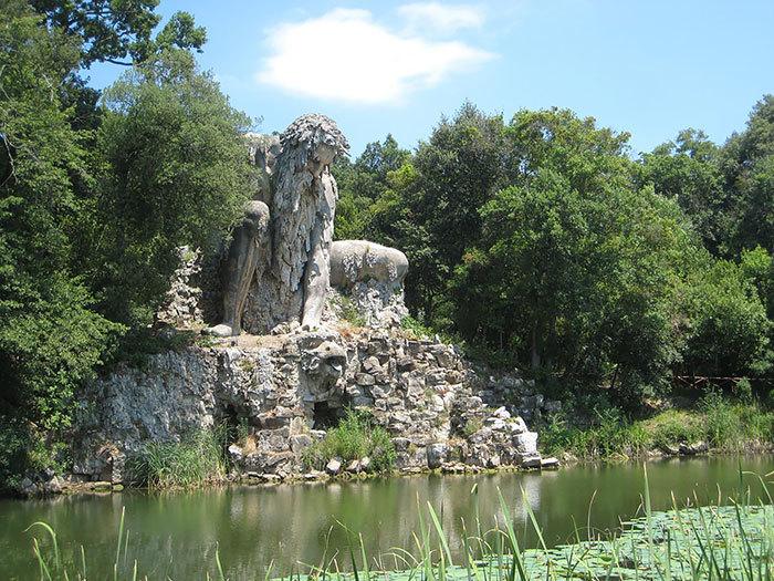 【進撃】イタリアの山中にある巨人像が凄くそそる。隠し部屋とか何それ。【RPG風】.jpg