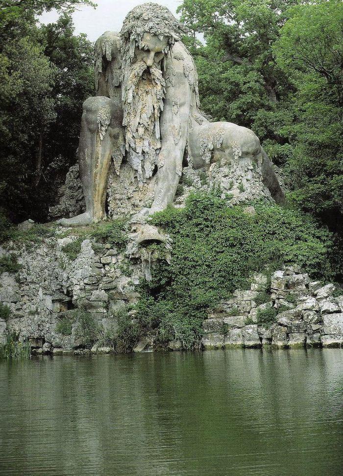 【進撃】イタリアの山中にある巨人像が凄くそそる。隠し部屋とか何それ。【RPG風】2.jpg