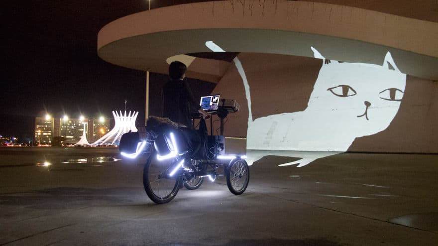 Tricycles-projecting-digital-graffiti-on-the-streets-of-Rio-de-Janeiro10__880
