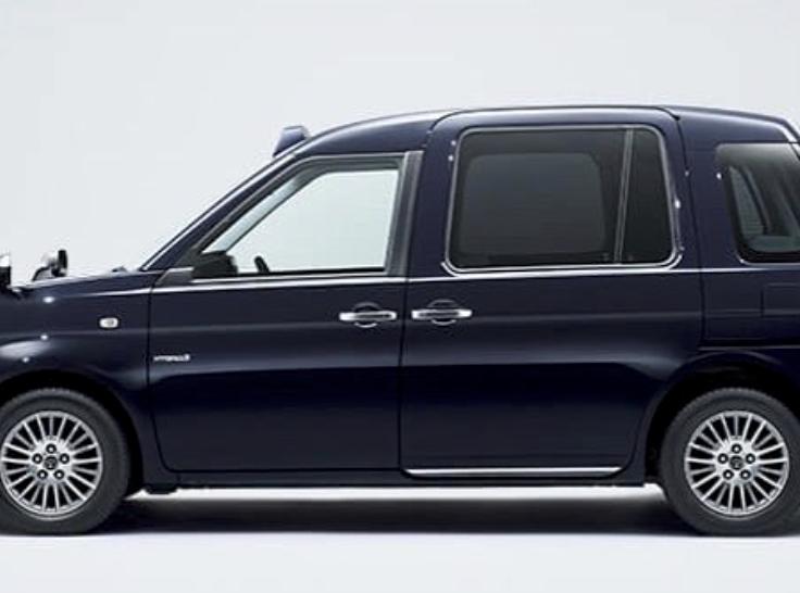 ジャパンタクシー 課題の内容がヤバい...!?霊柩車みたい!?画像あり