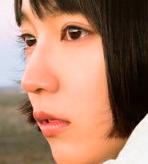 吉岡里帆 幼少期の激かわインスタ画像が衝撃的.........母親も超美人!?