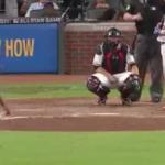 MLB とんでもない空振り動画が想像以上でワロタwwwwなんで振った!?www